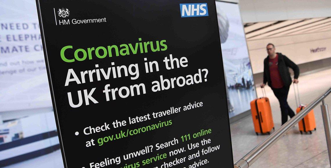 Pasajeros llegando al aeropuerto de Heathrow. EFE/EPA/ANDY RAIN